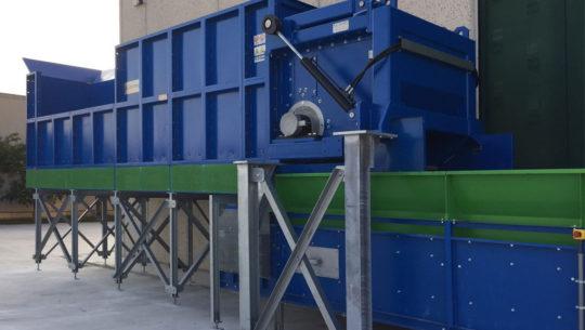 Aprisacco per impianti di trattamento rifiuti